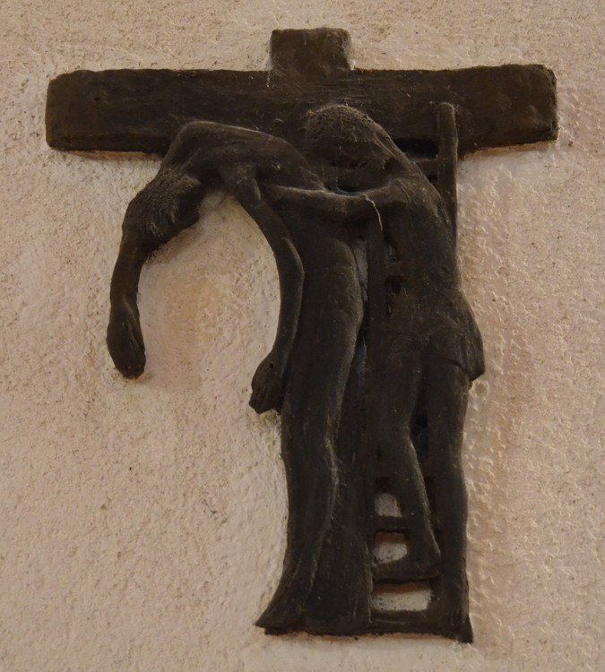 13- Jésus est descendu de la croix