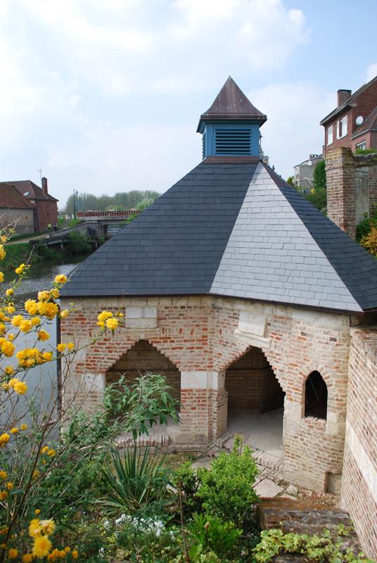 Le lavoir du château de Long