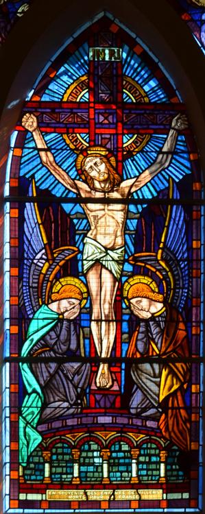 Vitrail du souvenir dans l'église de Villers-Bretonneux