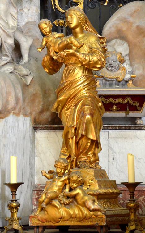 """Vierge """"la Mondaine"""" dans le Choeur de la Cathédrale"""