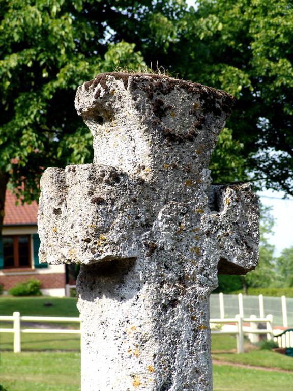 Toeufles: la croix de la Place