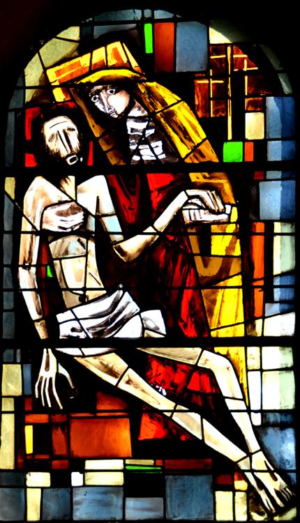 Le vitrail est signé: Bertrand maître-verrier parisien (1955)