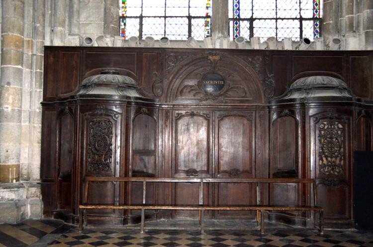 Confessionnaux transept sud