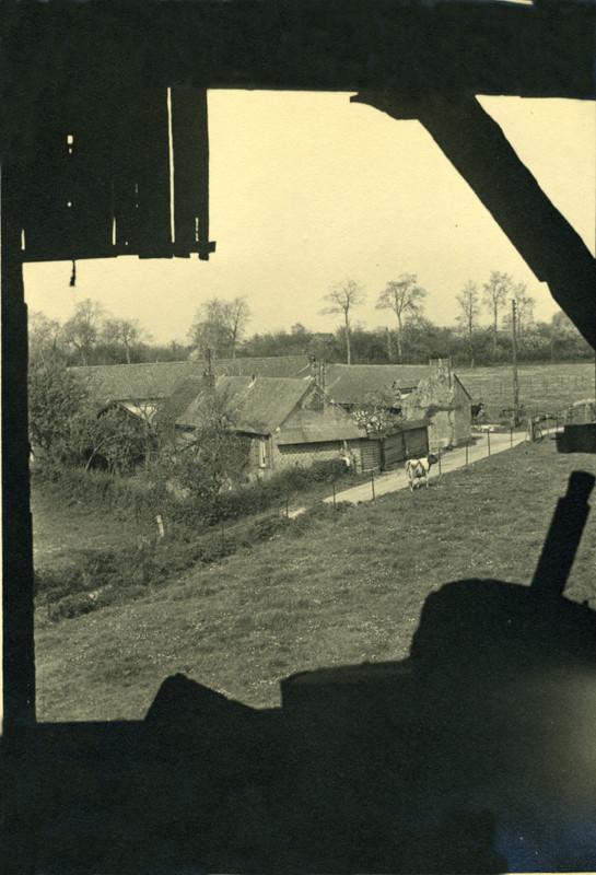 St-Aubin-Montenoy- Photo prise de l'intérieur du moulin- 1930