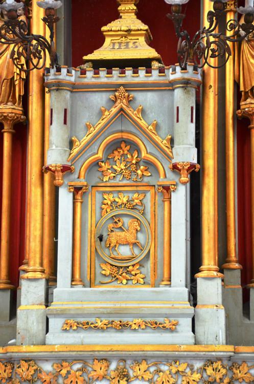 L'EGLISE de Le Quesnel : église Saint léger. Le-tabernacle