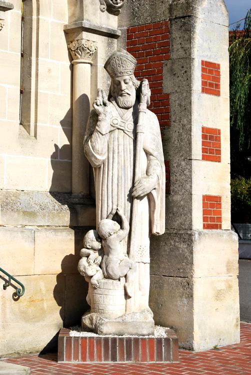Le saint Nicolas de l'église de Rollot sculpté par Marceau Darras