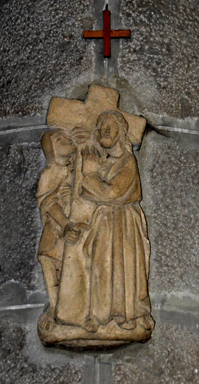 2-Jésus en charge de sa croix