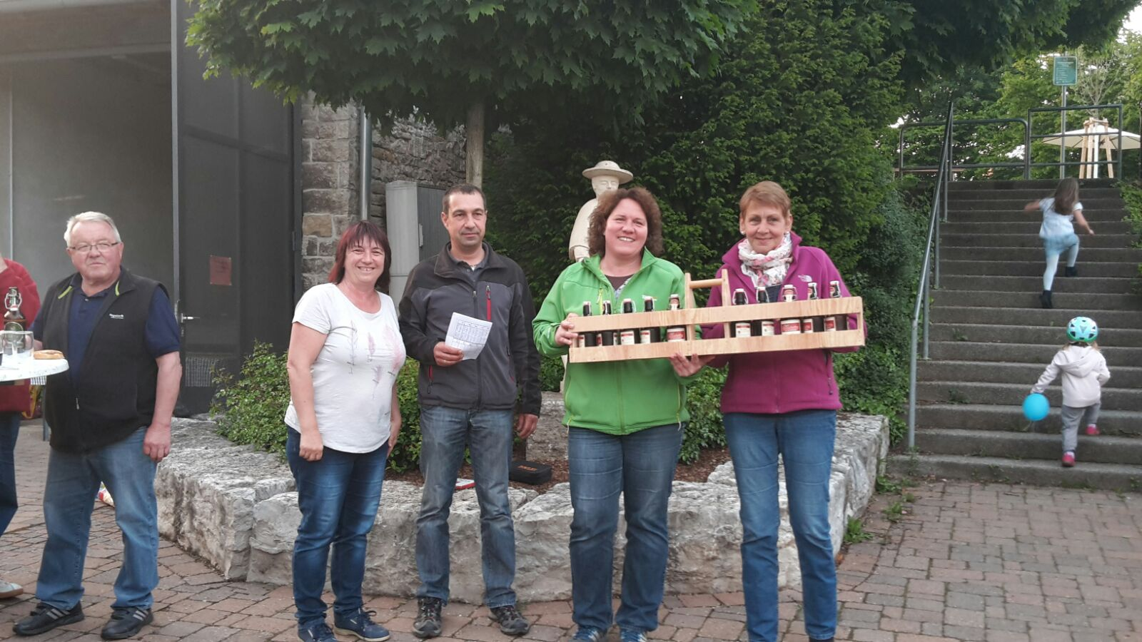 2. Platz an das Damenteam