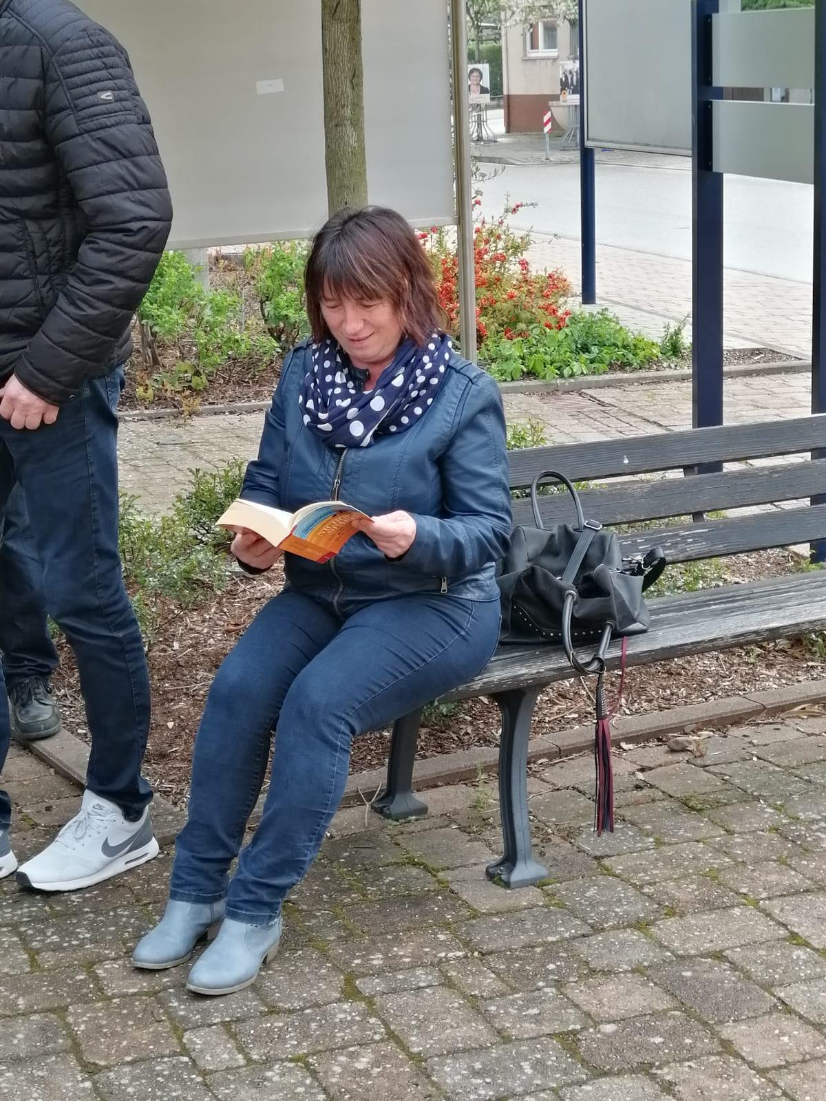... Mitbürger zum Lesen und schmökern ein ...