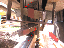 Wheel flange lubrication on outdoor crane
