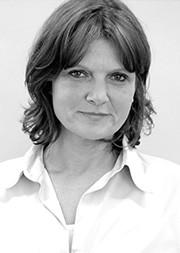 Gudrun Göller (Pamela Willey)