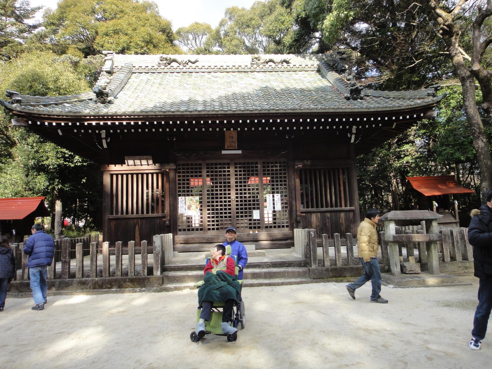 神社と記念写真
