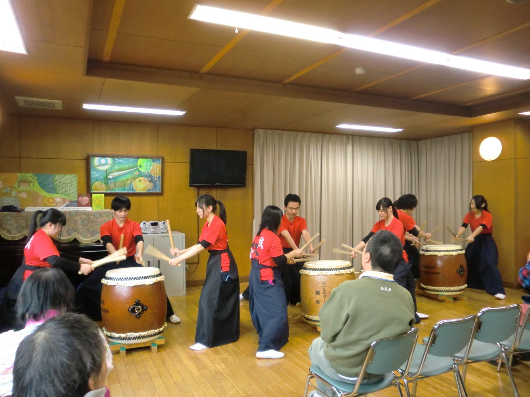 瀬戸北総合高校和太鼓部のみなさんの演奏