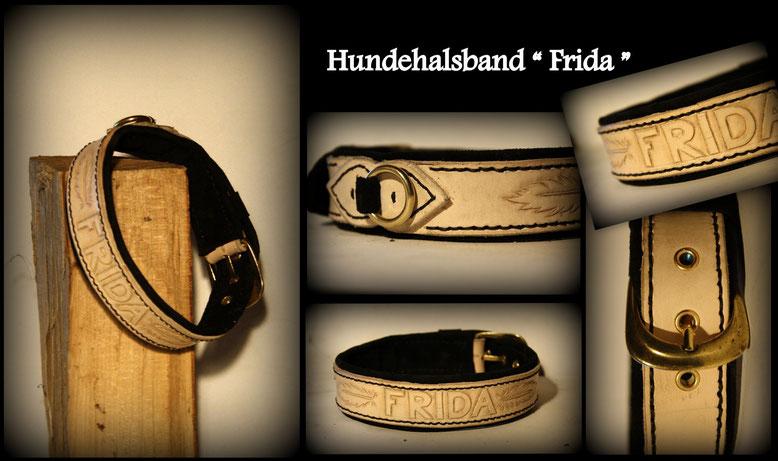 Naturfarbenes Leder Schwarz unterlegt ist dieses Halsband für Hündin Frida.  Gut gepolster mit Punziertem Namen und Federn. Messing schnalle und Ring für einen passend edlen look.