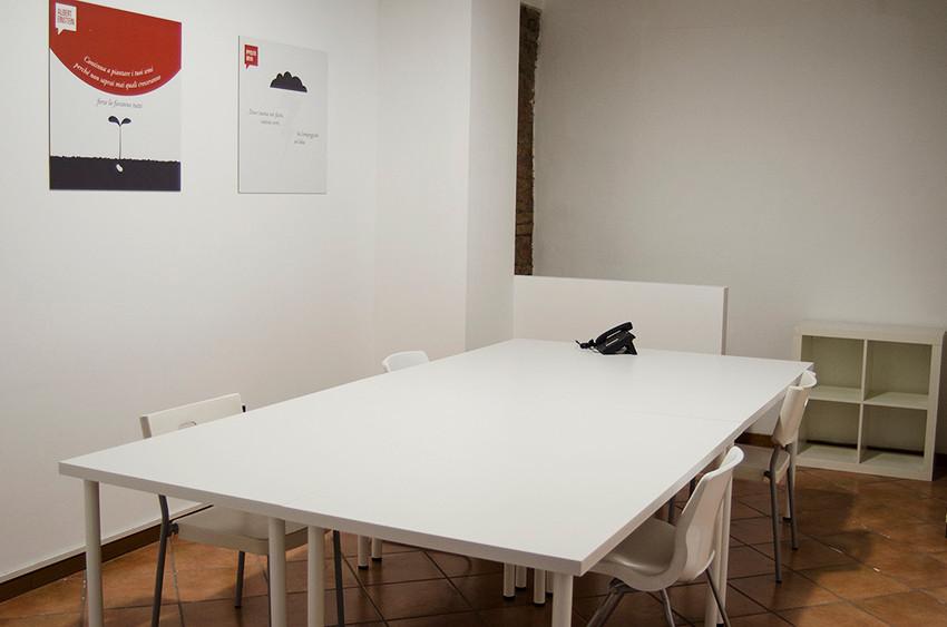 Ufficio in coworking a Brescia