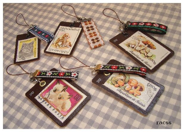 東欧猫切手ときのこ切手のストラップ。