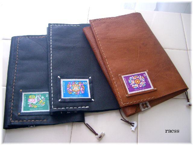 手縫いのブックカバー3種。
