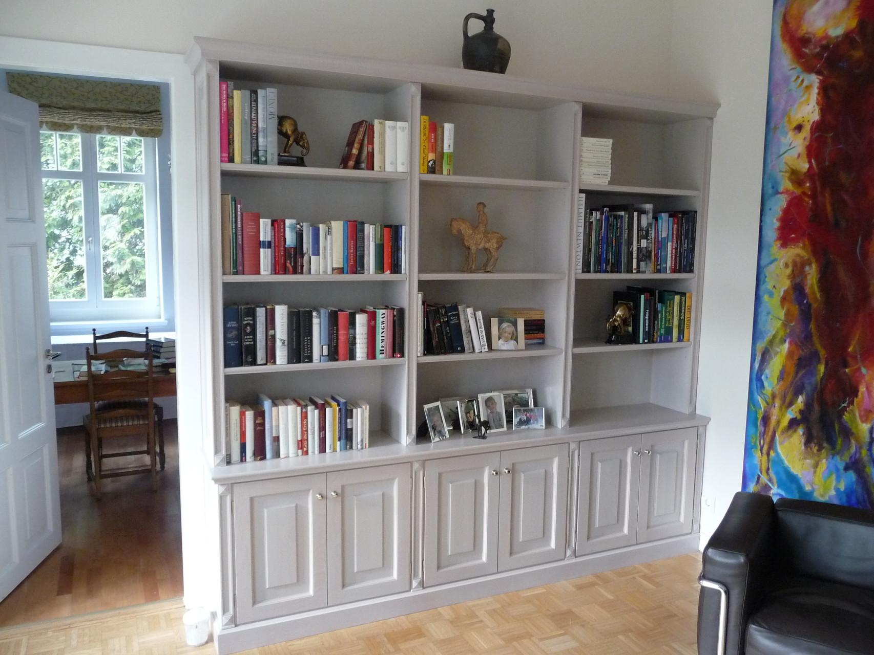 Wohnzimmerschrank aus Holz