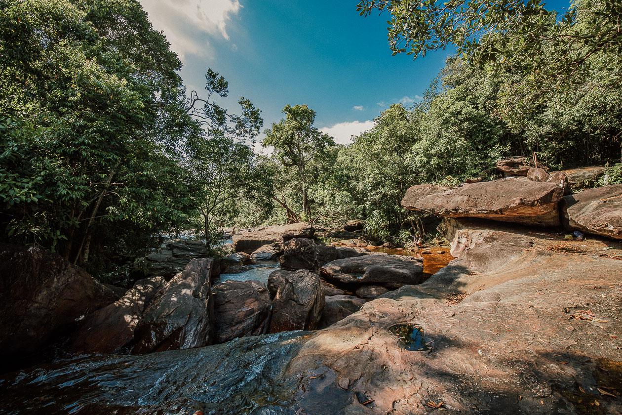 Suối Đá Bàn Waterfall