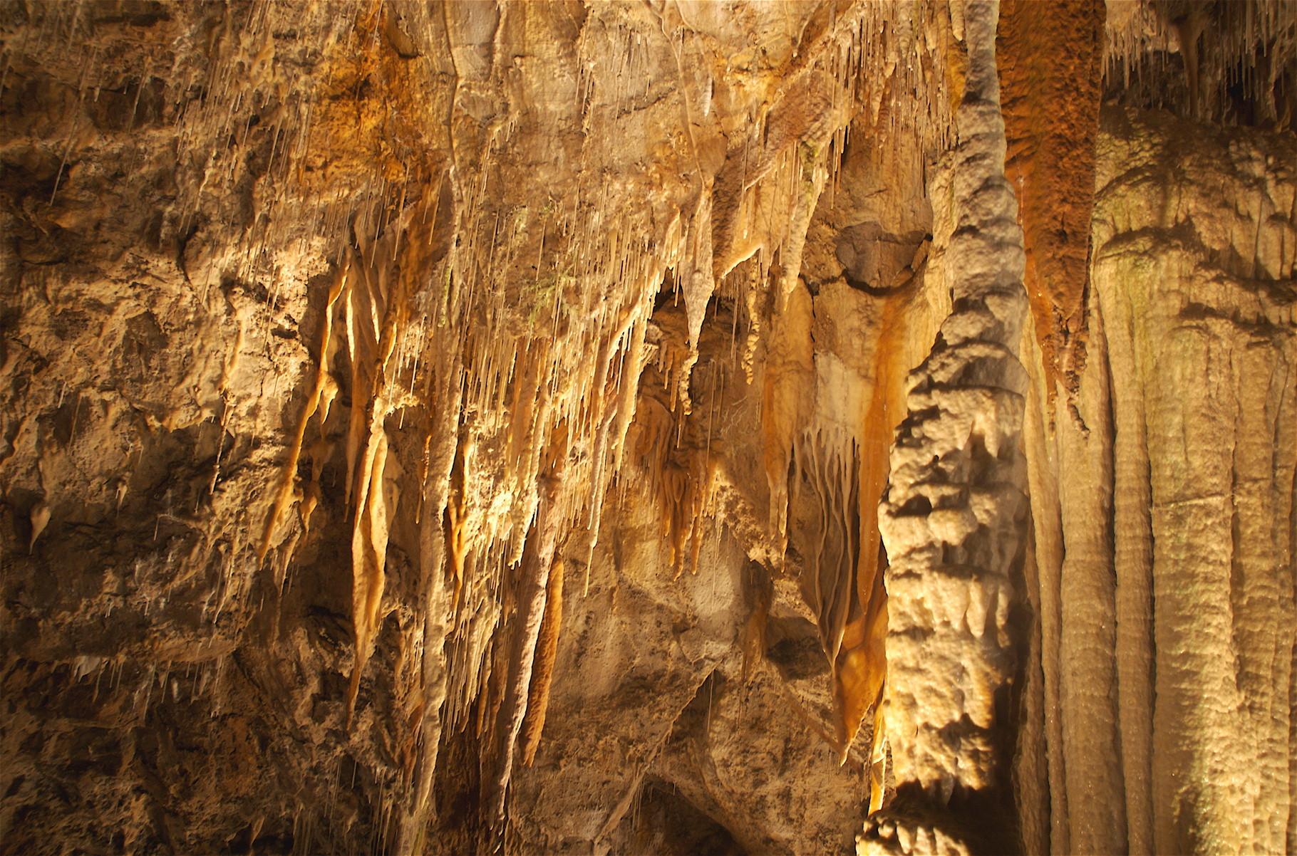 La grotte des canalettes. A Villefranche. Très beau