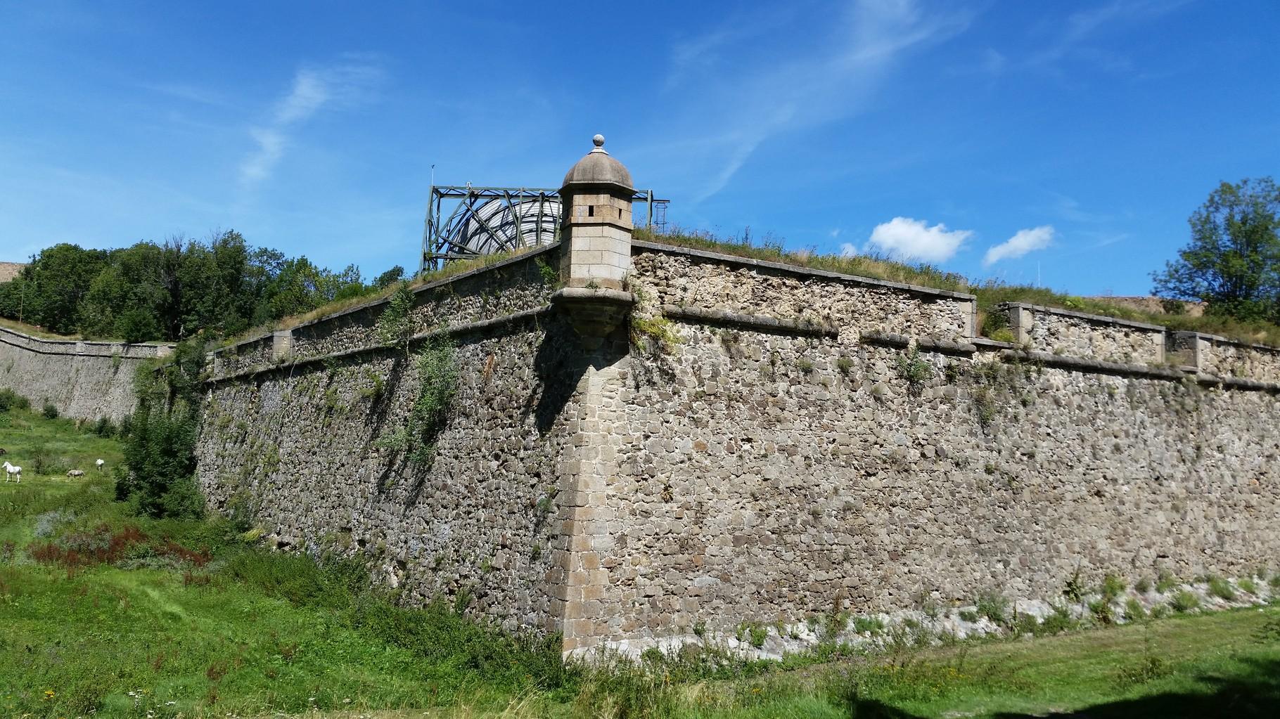 Fort de Mont Louis (45 minutes en voiture). Pour les amateurs d'histoire, en prime le four solaire !