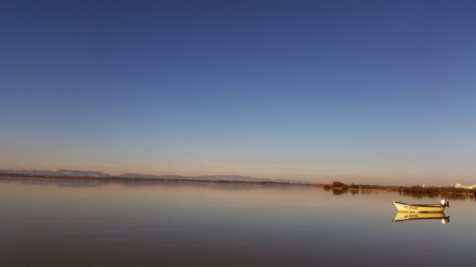 La mer et les étangs (1 heure de voiture)