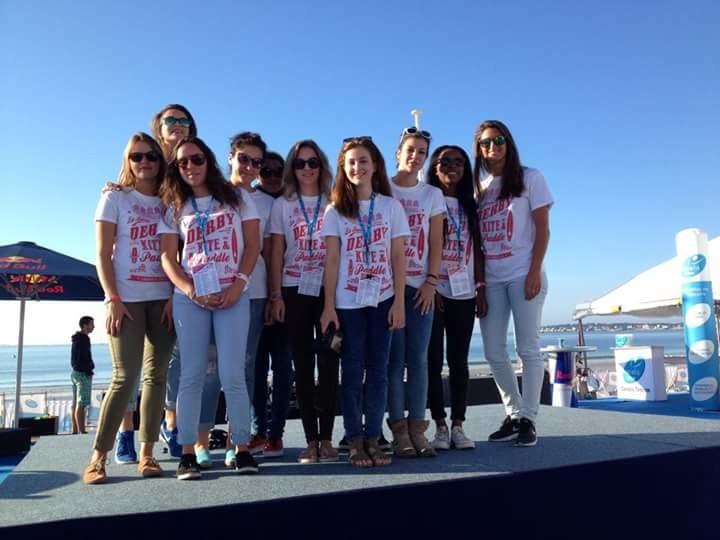 Les élèves de la section BTS Tourisme du Lycée Grand Air lors du derby kite en paddle.