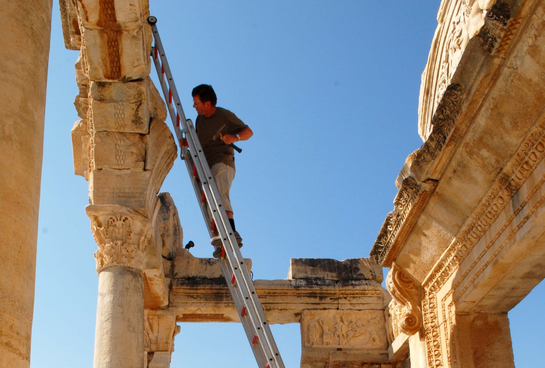 Sampling at the Hadrian`s temple in Ephesos