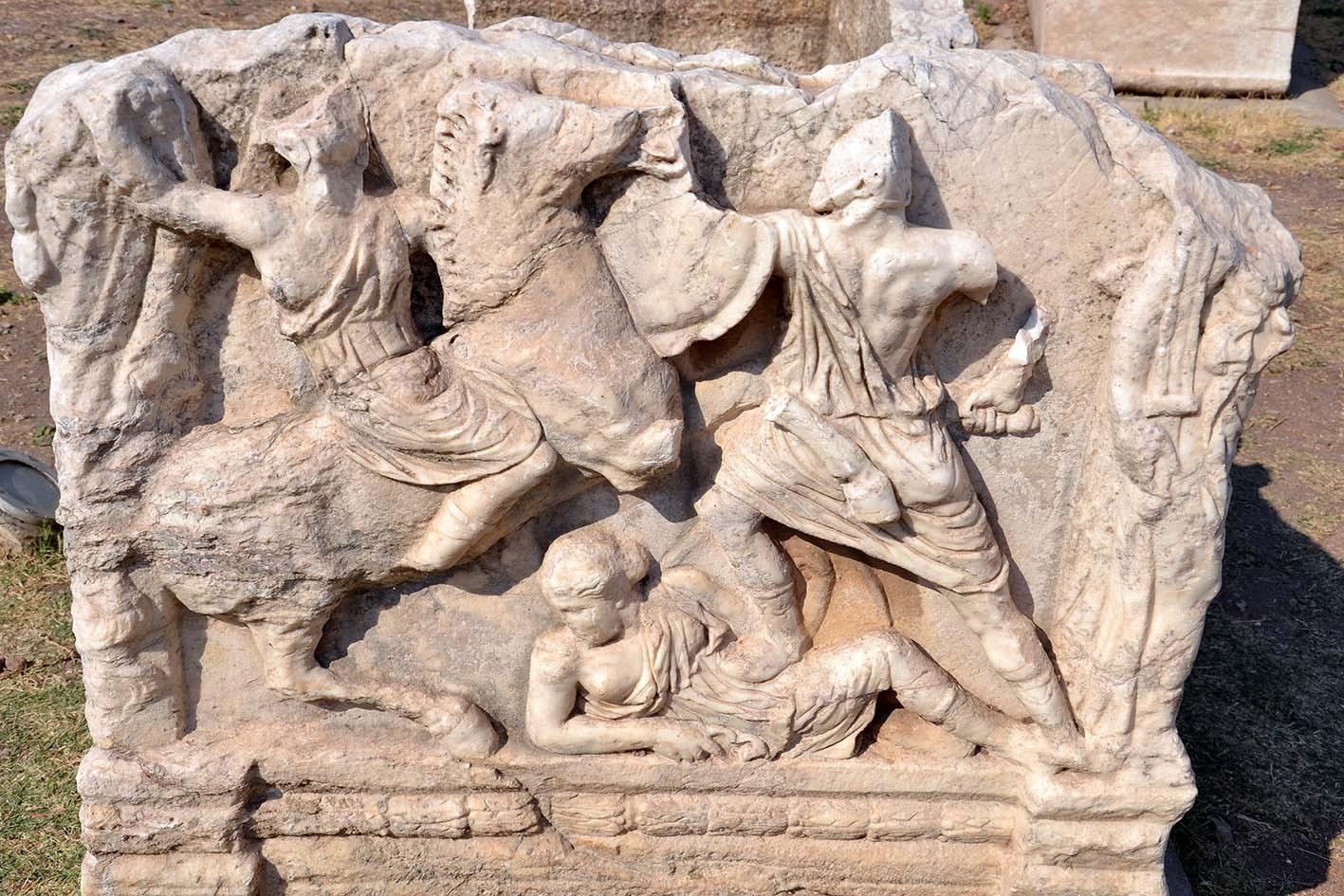 Amazone sarcophagus in Ephesos