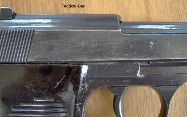 Die Wehrmachtswaffen weisen immer mehrere Abnahmestempel auf, weil die Waffen bei unterschiedlichen Fertigungsstufen geprüft wurden.