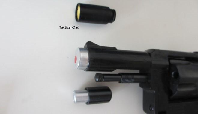 Aus dem Multifunktionslauf des EM-GE G38 kann man 15mm Sterne, mit Adapter 9mm Sterne und Gashülsen verschießen
