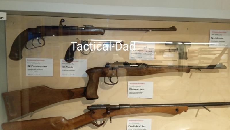 Auch ein Kleinkaliber Wilderergewehr aus Oberndorf gab es, bis hin zu PAK, FLAK, Tankgewehr, Heckler & Koch G11 und MP7.
