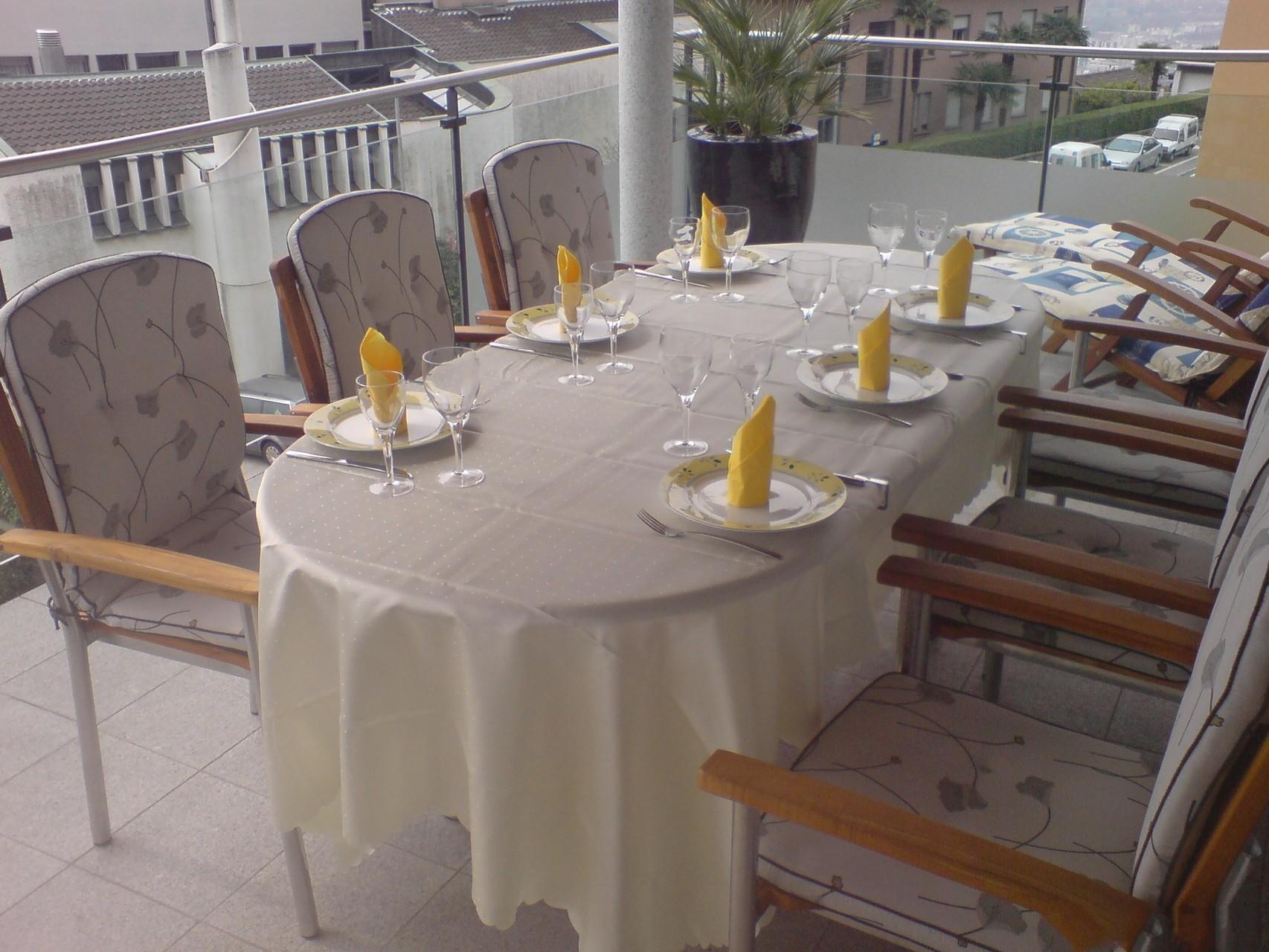 Balkon für Gäste gedeckt