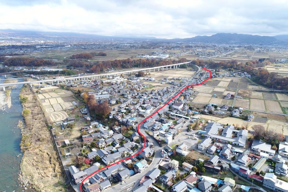 塩名田宿は赤線の中山道に沿うように存在し、一部は国道と共用しています