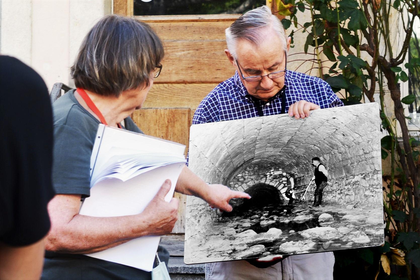 Im Spätsommer 1947 erkundeten Ehrenpräsident Fritz Schänzli (vorne) und Ehrenmitglied Eduard Lanz vom Altstadtleist die unterirdischen Gewölbe bis zur Untergasse.