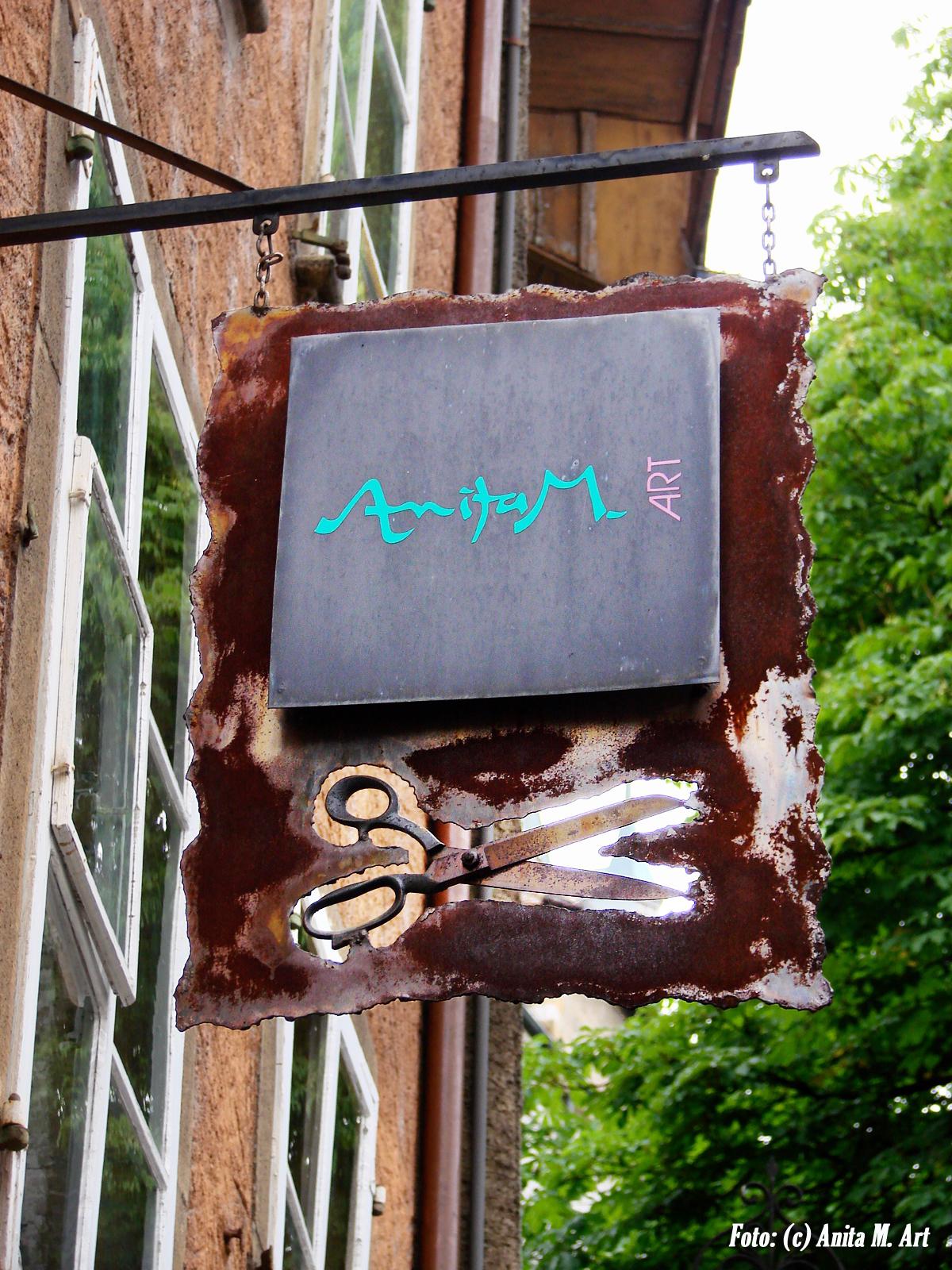 Schild der Boutique Anita M. Art / Einseigne de la boutique Anita M. Art
