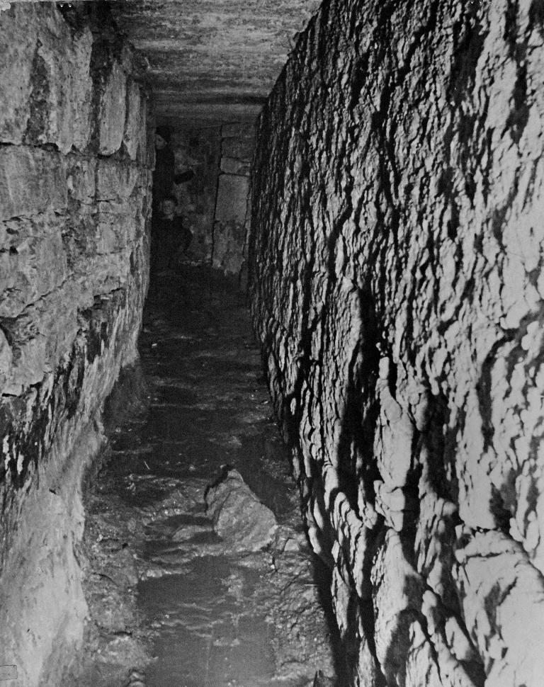 Unterlauf mit Seitengang, Sommer 1947.