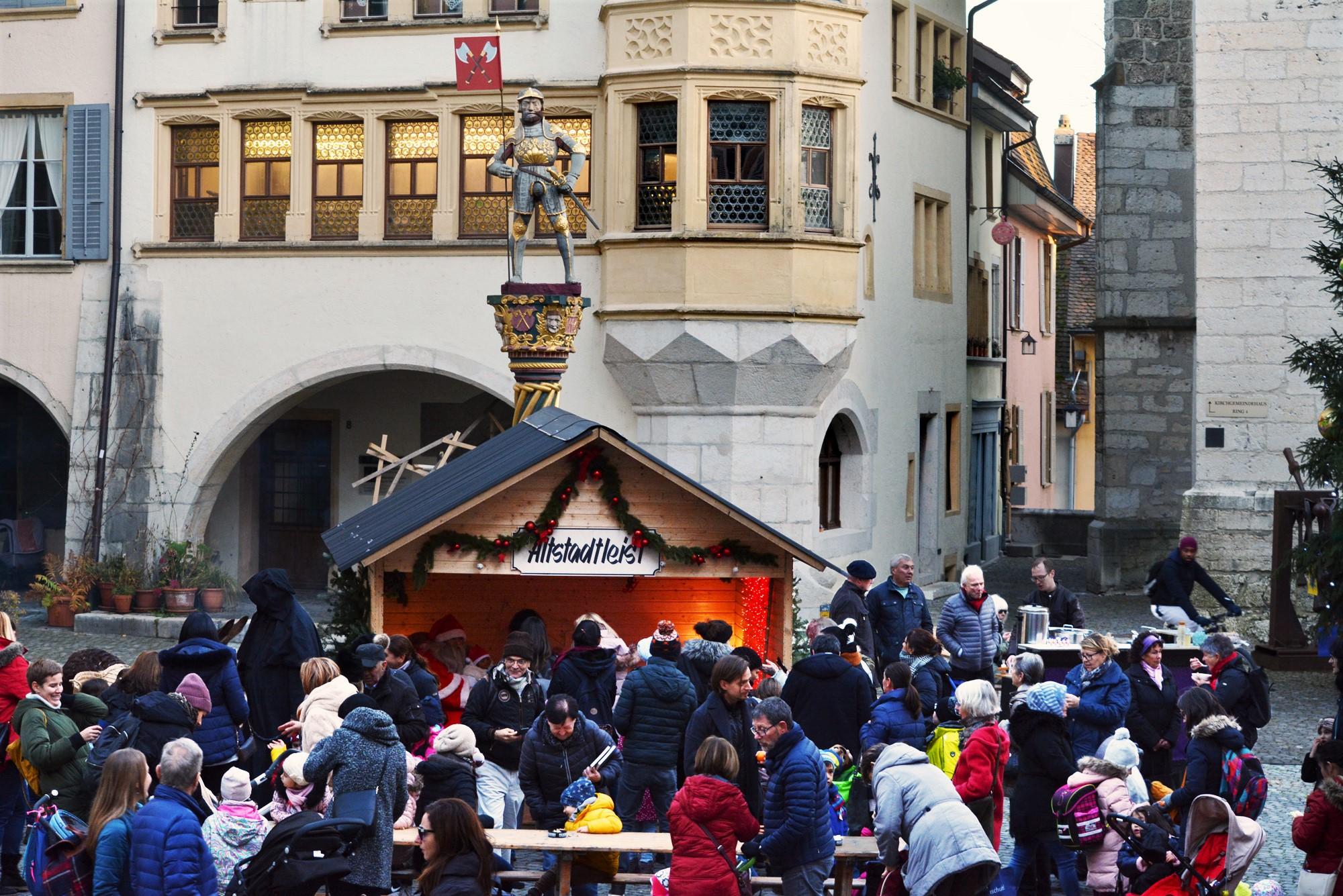 Altstadt-Samichlous auf dem Ring in der Bieler Altstadt (10.12,2019)
