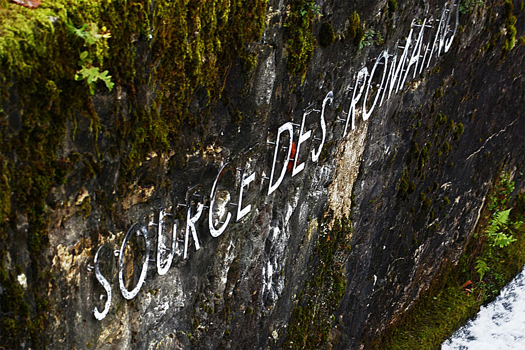 """Inschrift """"Römerquelle"""", angebacht 2020"""
