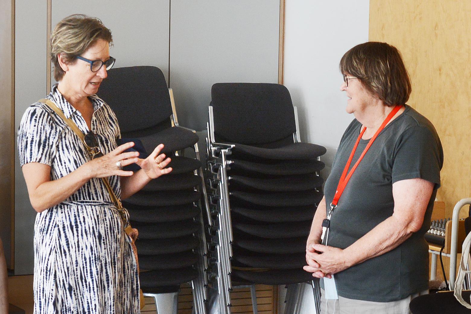Historikerin Margrit Wick-Werder stellt sich den Fragen des Publikums.