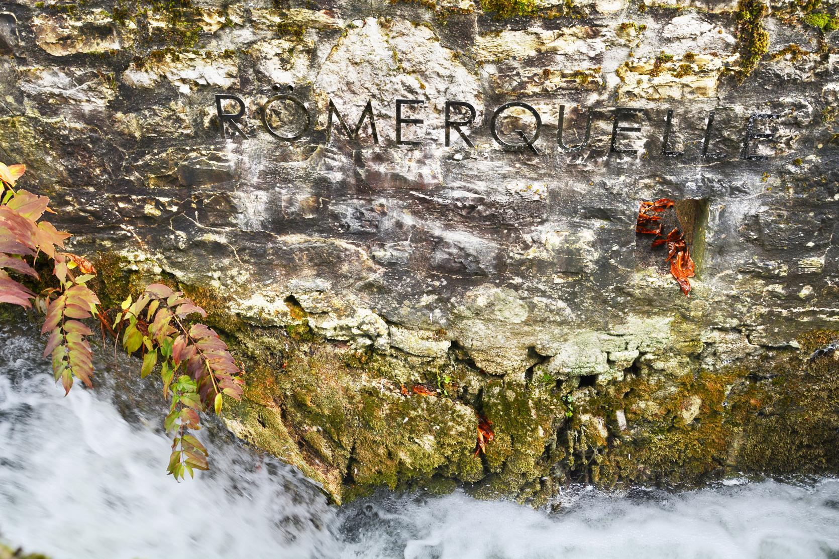Römerquelle mit Inschrift, aufgenommen 2020