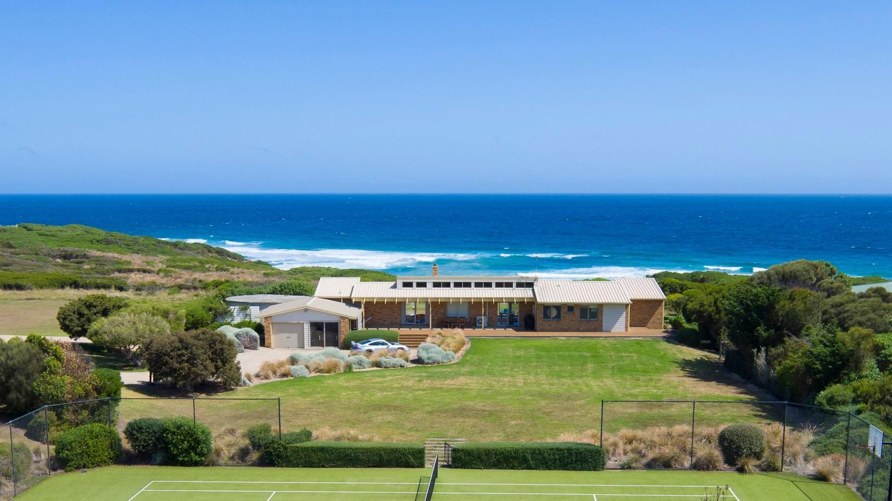 Phillip island berrys beach beachfront ocean views for Beach house designs phillip island