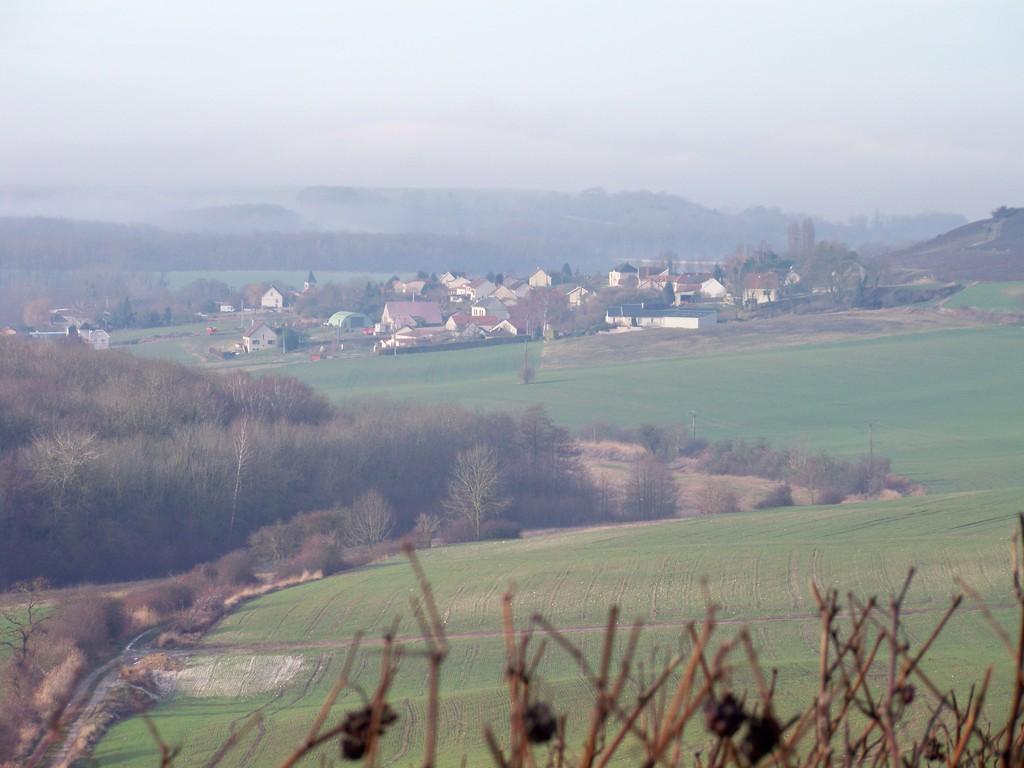 Les vallons de ST EUPHRAISE et le village dans le lointain