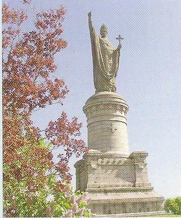 CHATILLON SUR MARNE  Urbain II veille sur la vallée de la Marne