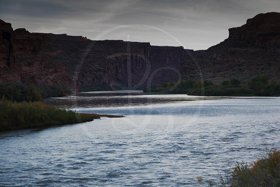 Amanecer en el Río Colorado.
