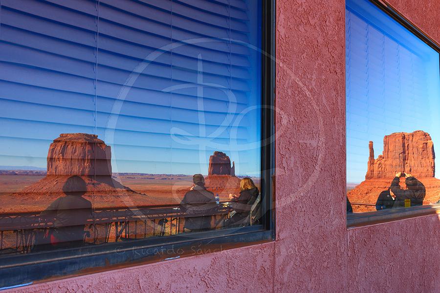 Centro de Visitantes de Ojalto-Monument Valley.