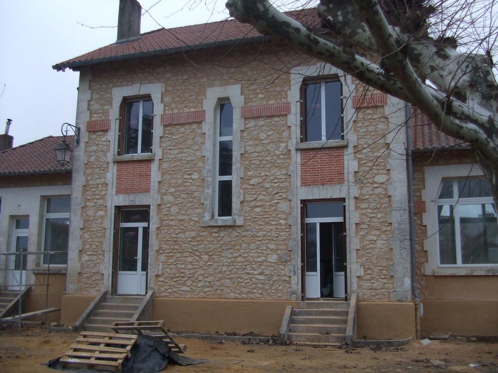 31/01/2011 : Façade avant des 2 logements