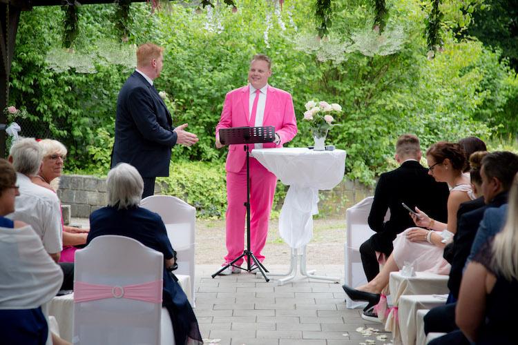 """- Hochzeitsfeier """"Freie Trauung"""" -"""