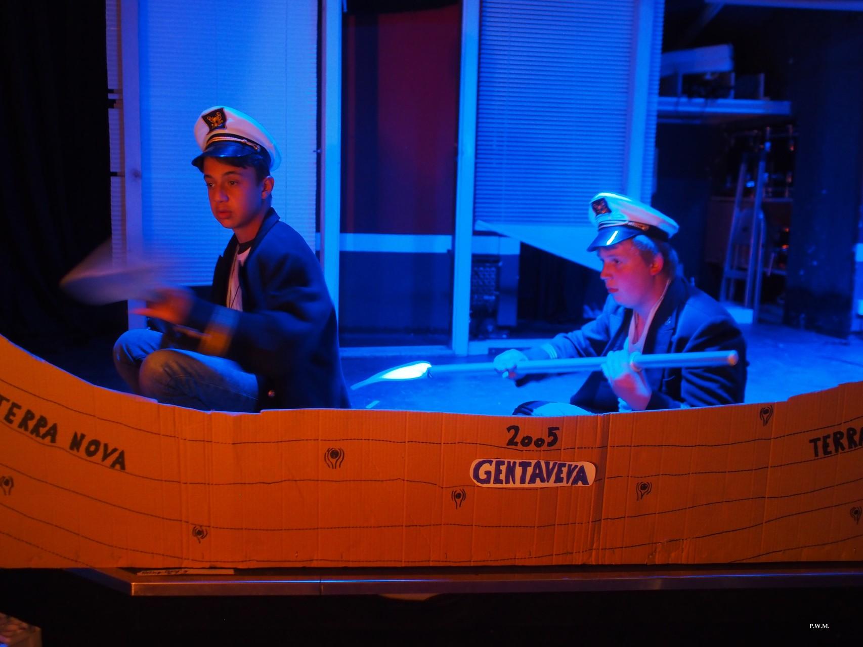"""Na, warum müssen wir die überhaupt holen?  """"Mit Captain Rossi auf hoher See"""" (2014)"""
