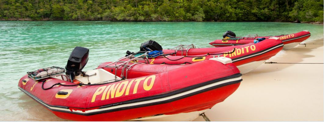 Boote in Raja Ampat, Indonesien ©Pindito